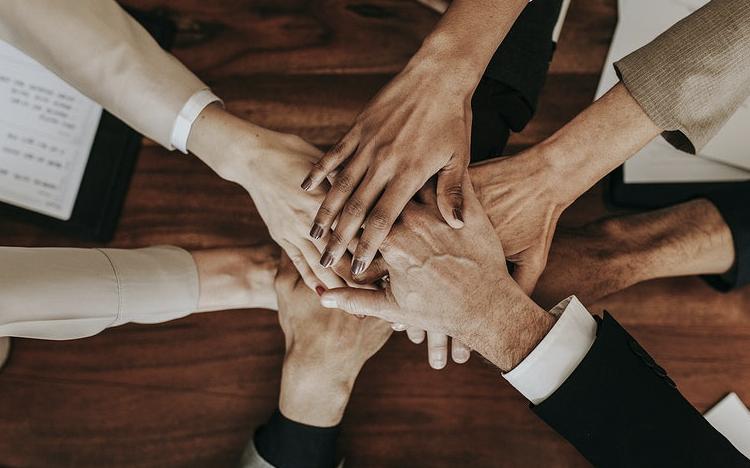 É possível contribuir para o bem-estar da sociedade e ter uma empresa de sucesso?